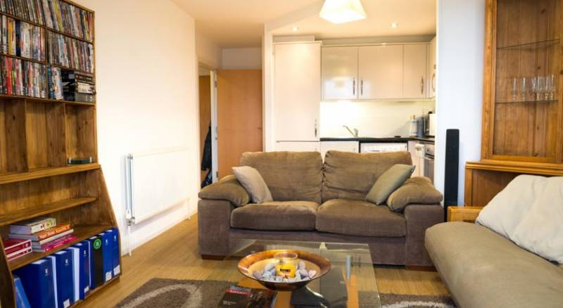 853-cosy-apartment-near-excel-centre--1448151419.jpg